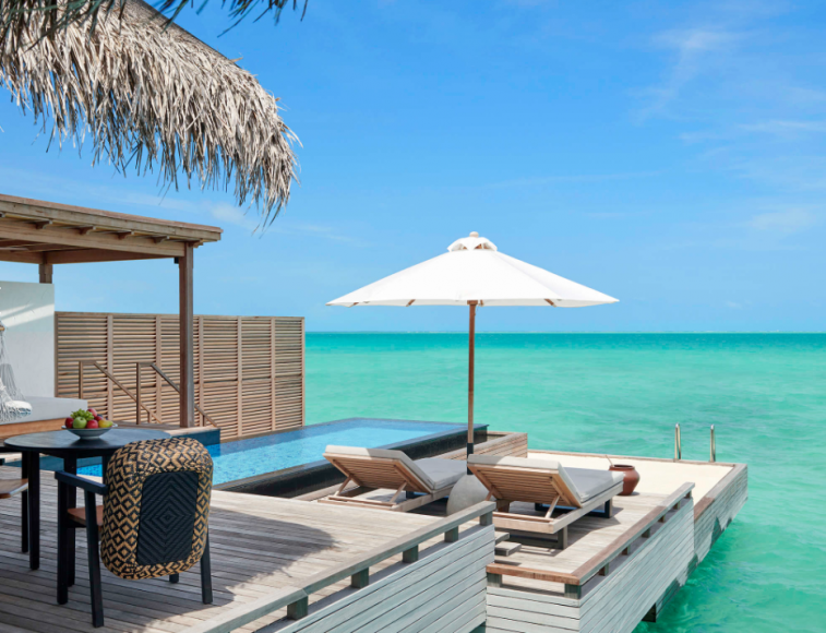 What to pack for a dream trip to the Maldives? {Photo Fairmont Maldives}